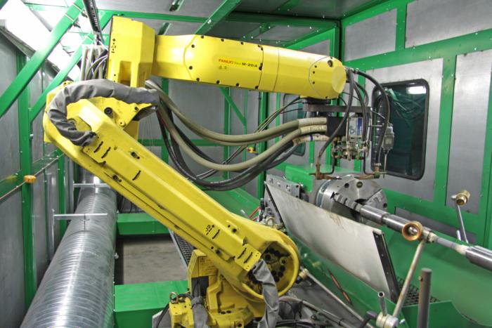 triplex robot 700